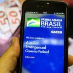 Bolsonaro diz que auxílio deve ser pago entre 4 e 5 de abril