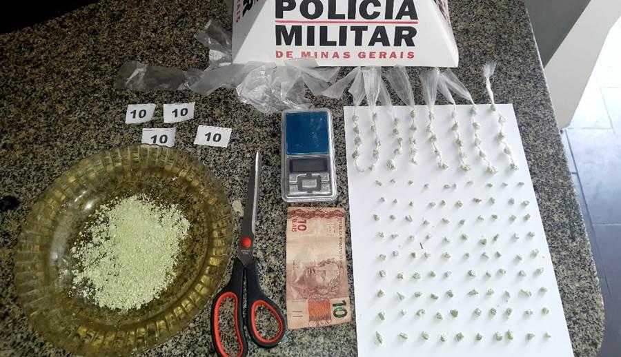 Polícia Militar de Leopoldina apreende 130 pedras de crack durante patrulhamento no São Cristóvão